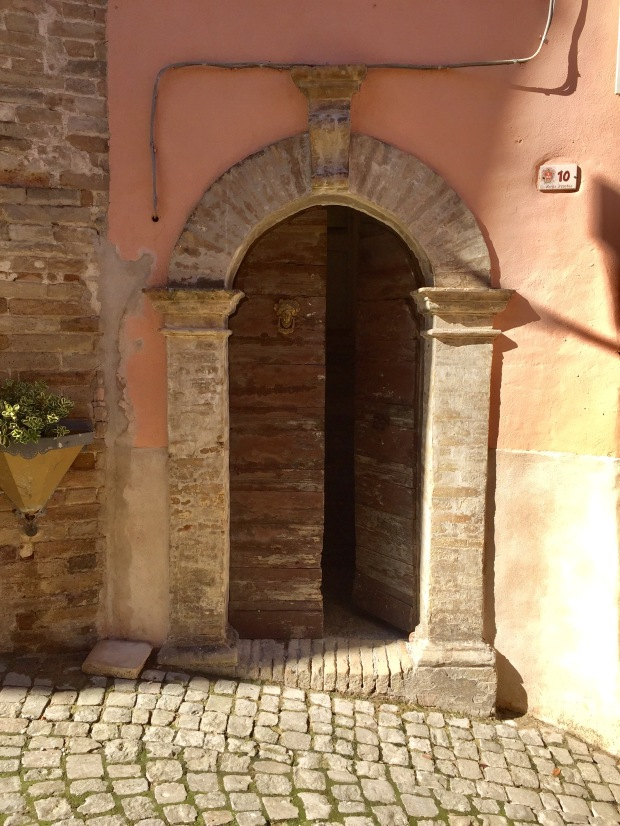 #lemarchemagic #lemarche #vacationhomes #wheretolaymyhead #medievalvillages